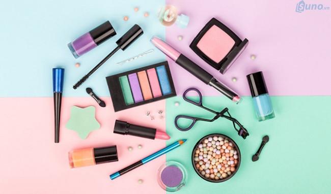Kinh doanh gì năm 2019, đừng bỏ qua mặt hàng mỹ phẩm - chất gây nghiện đối với chị em phụ nữ