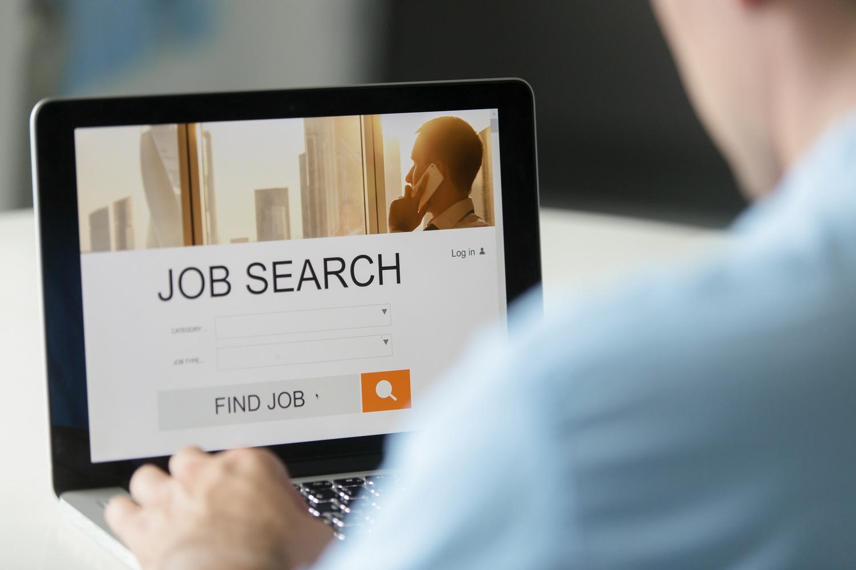 Tuyển dụng online qua các web tuyển dụng